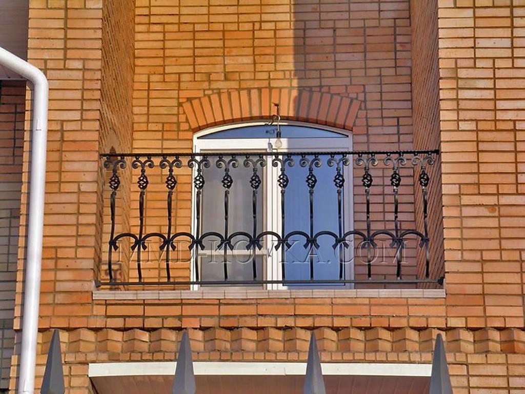 Балконные ограждения - мир кованых изделий.
